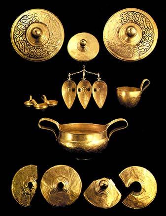Вълчитрънско златно съкровище